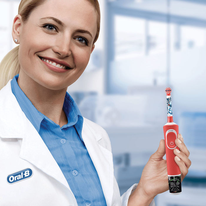 ORAL-B VITALITY D100 STARWARS - thumb - MediaWorld.it