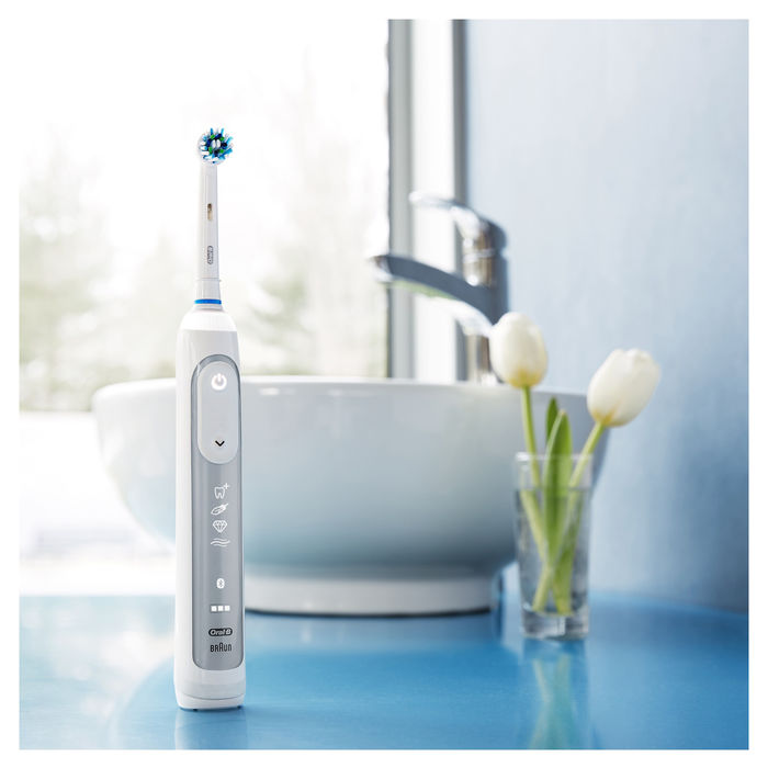 ORAL-B Genius 8600 - thumb - MediaWorld.it